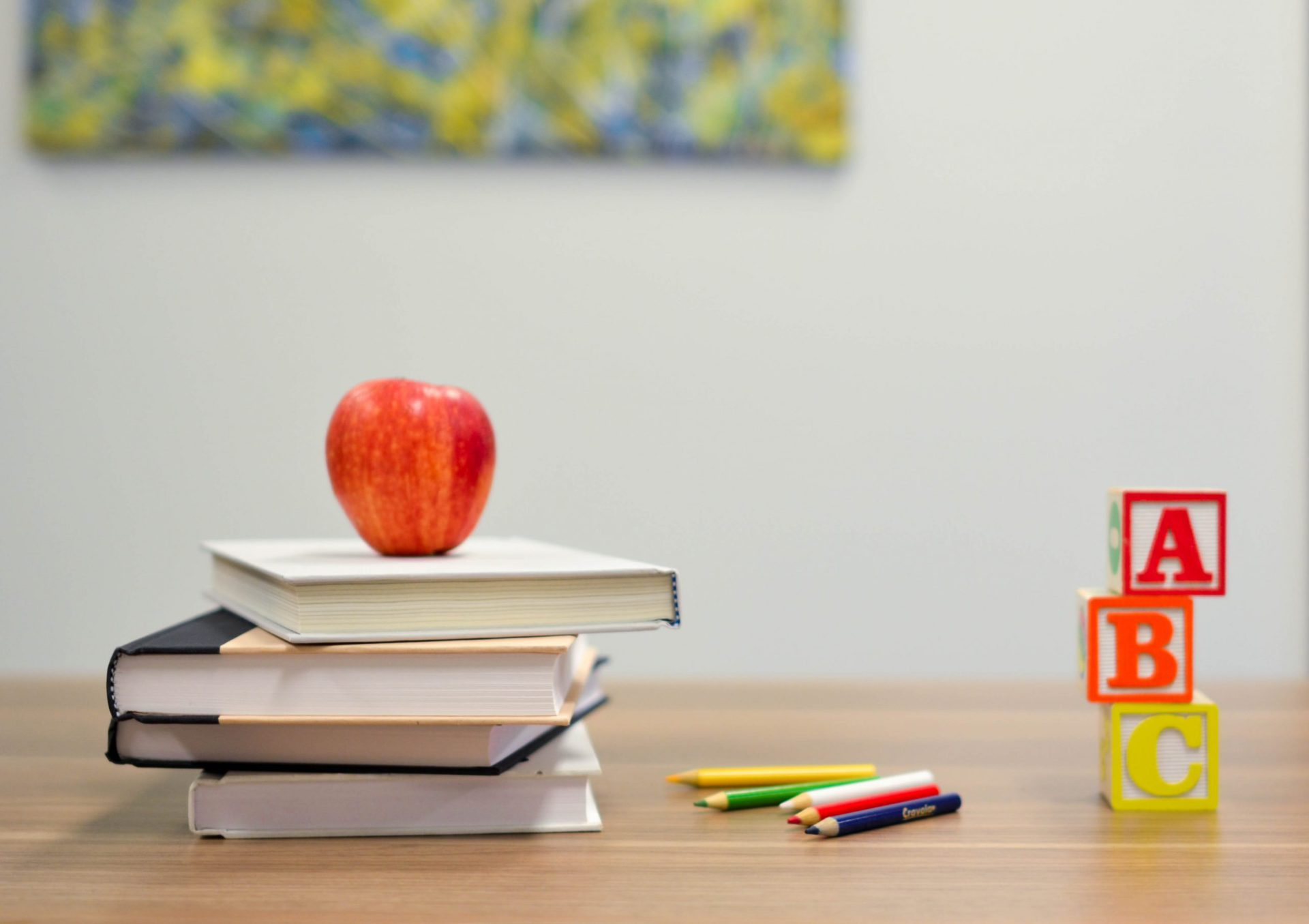 How to Choose a Montessori School This Year